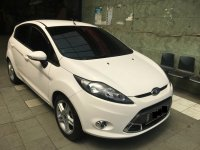 Ford Fiesta 1.6L AT S Putih 2012 (1.jpeg)