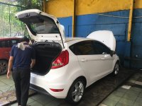 Ford Fiesta 1.6L AT S Putih 2012 (4.jpeg)
