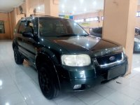 Ford: Escape XLT 2.3 Tahun 2004 (kanan.jpg)