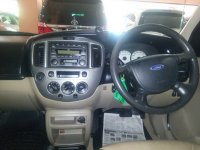 Ford: Escape XLT 2.3 Tahun 2004 (in depan.jpg)
