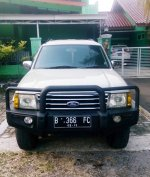 Ford Everest 4x4 Automatic 2004 (7evi.jpg)