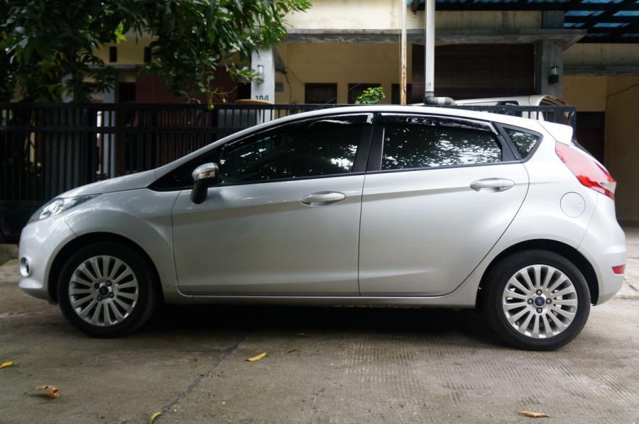 Jual cepat ford fiesta matic th 2012 - 1400cc - MobilBekas.com