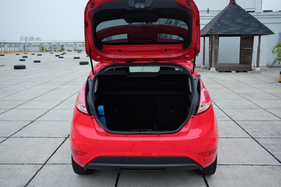 2013 Ford Fiesta Sport 1.5 AT Facelift Seperti baru Antik ...