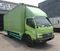 Hino Dutro 130MDL Box 2015 (PA113423.JPG)