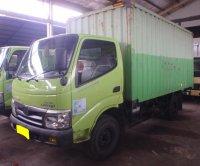 Hino Dutro 4 roda box 2013 (PB153741.JPG)