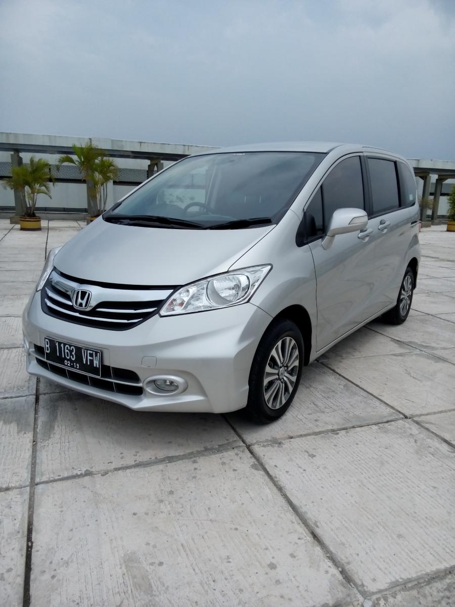 honda freed e psd 2014 matic warna silver - mobilbekas