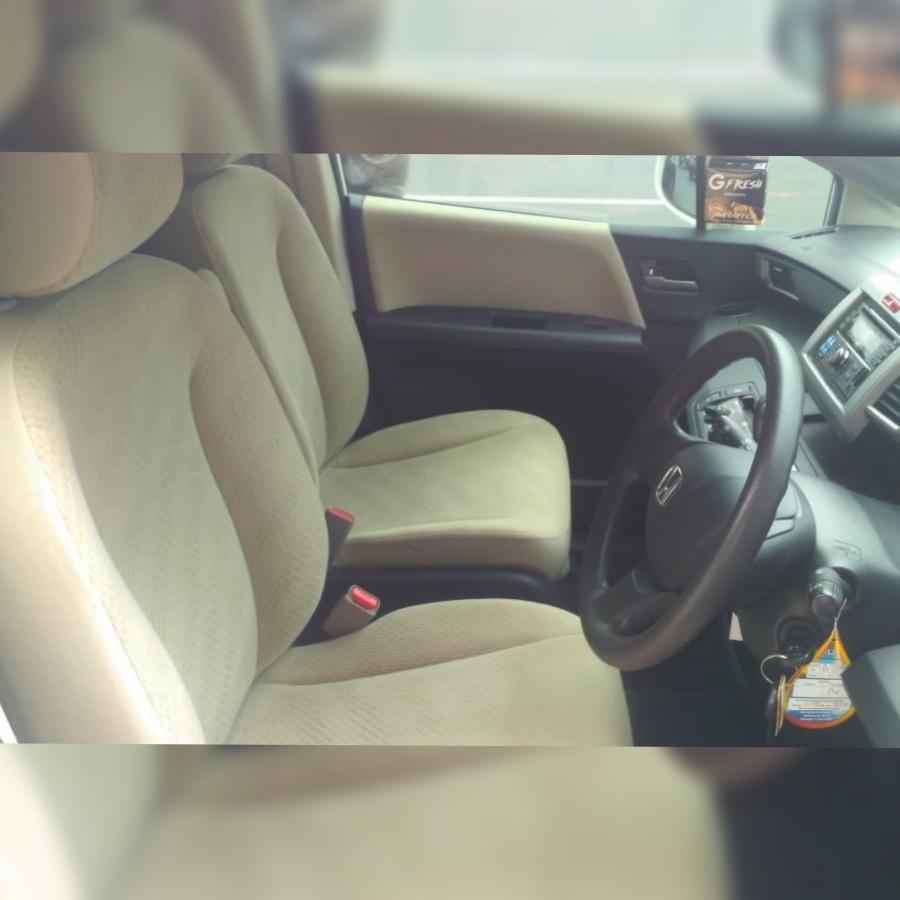 Dijual Honda Freed 2013! kondisi bagus! harga 170jt, DP ...