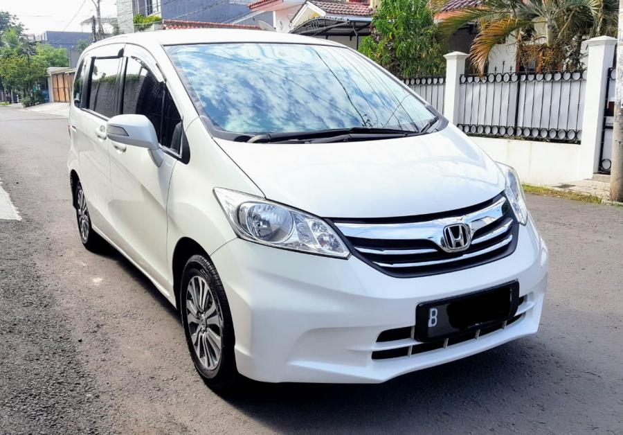 Honda Freed PSD MATIC 2013 PUTIH SANGAT MULUS TERAWAT ...
