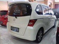 Honda Freed SD Tahun 2010 (belakang.jpg)