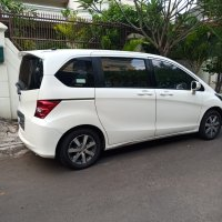 Honda Freed type SE tahun 2011 (WhatsApp Image 2019-07-15 at 11.49.03.jpeg)