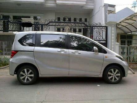 Honda Freed type PSD E Silver Tahun 2011 - MobilBekas.com