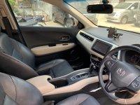 HR-V: Honda HRV 2016 AT TRIPTONIC Sangat Istimewa (8b51164e-5136-4085-b826-dd32d923bc27.jpg)