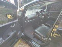 Honda Jazz RS CVT 2010 Istimewa (21f79a74-5570-4a82-b23f-d89068a17df6.jpg)