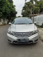 Jual Honda City type E matic th 2013. Warna Silver.