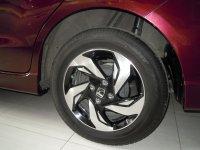 Honda: Mobilio RS Merah Tua 2015 (DSCN6548.JPG)