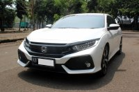 HONDA CIVIC HATCHBACK TURBO AT PUTIH 2019 (WhatsApp Image 2020-11-25 at 18.44.08 (1).jpeg)