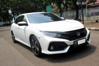 HONDA CIVIC HATCHBACK TURBO AT PUTIH 2019 (WhatsApp Image 2020-11-25 at 18.44.09.jpeg)