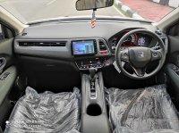 Honda HR-V: HRV 1.5E AT 2017, Low KM, Record, Seperti baru (9.jpg)