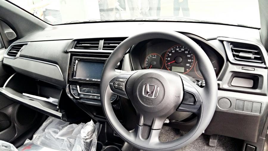 Brio RS cvt special dp CALM N WARM - MobilBekas.com