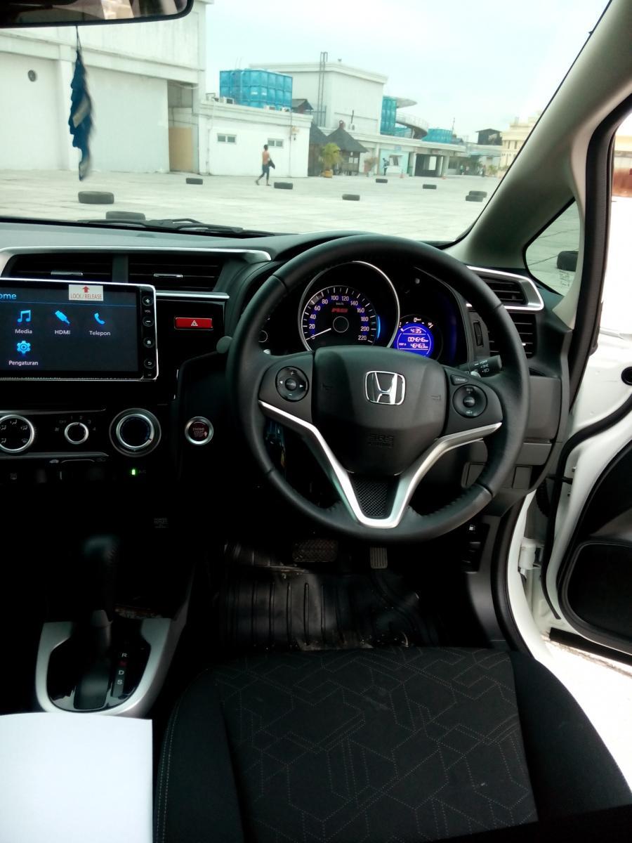 Honda jazz 1 5 rs matic 2017 km 4 rban for Interior jazz rs 2017