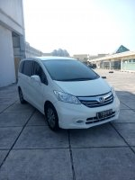 Jual Honda freed 1.5 psd matic 2014 putih km 30 rban
