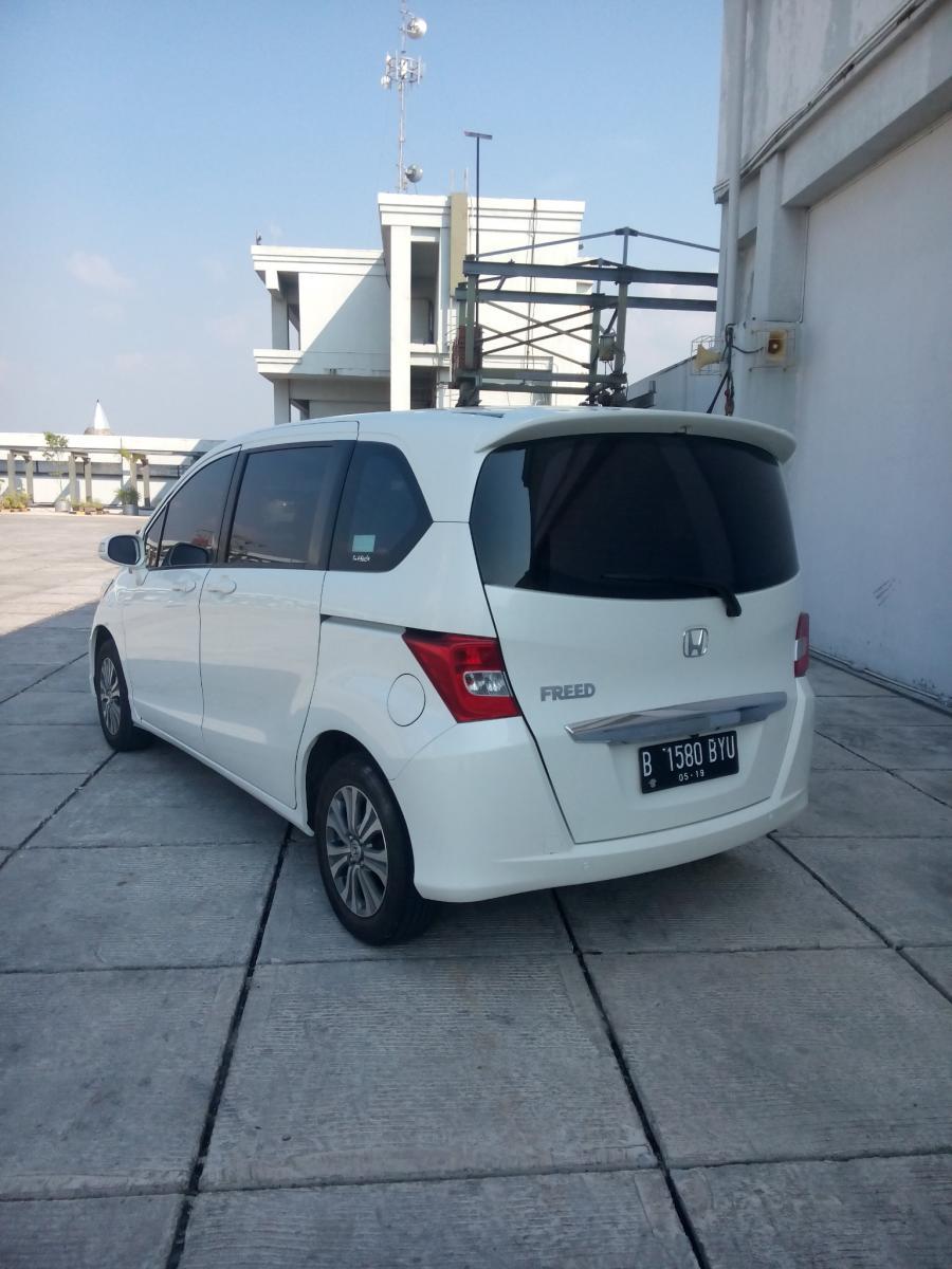 Honda freed 1.5 psd matic 2014 putih km 30 rban ...