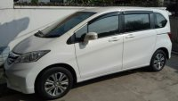 Honda: Freed 2012 AT warna putih (Freed1.jpg)