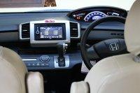 Honda Freed 2012, Silver (dashboard-1.jpg)