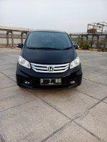Honda freed 1.5 psd matic 2015 hitam km 24 rban 08161129584