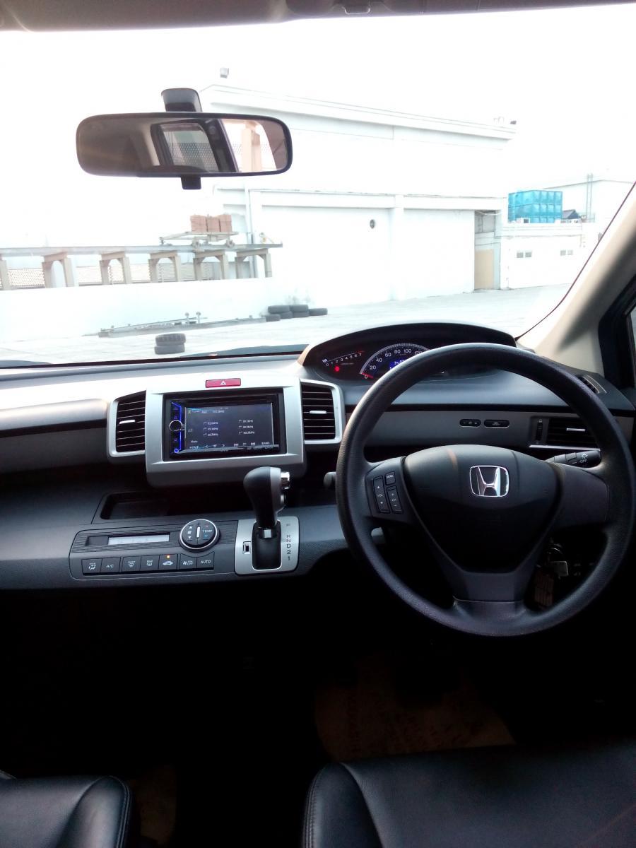 Honda freed 1.5 psd matic 2015 hitam km 24 rban ...