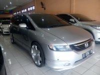 Honda: Odyssey Absolute 2.4 Tahun 2004 (kanan.jpg)