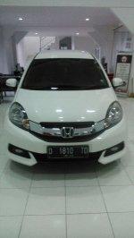 Honda: Mobilio a/t 2014 putih dp 19jt nego (CF151336-C7DE-403E-BA41-30E5B1743658.jpeg)