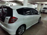 Dijual Honda Jazz RS 2010 Putih Low KM Jarag Pakai (Jazz Belakang.jpg)