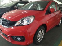 Brio Satya: Promo Honda Brio E CVT Merah Surabaya (brioEmerah3.jpg)