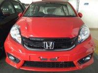 Brio Satya: Promo Honda Brio E CVT Merah Surabaya (brioEmerah4.jpg)