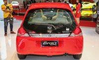 Brio Satya: Promo Honda Brio E CVT Merah Surabaya (brioEmerah7.jpg)