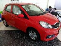 Brio Satya: Promo Honda Brio E CVT Merah Surabaya (brioEmerah8.jpg)
