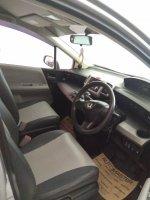 Honda Freed 1.5 E PSD (9BE0EE66-3838-4029-BA81-C83CEE3DA0B7.jpeg)