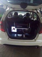 Honda Jazz 2009 putih (28576145_10208875320120765_4821448856097956694_n.jpg)