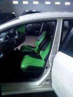 Honda Jazz 2009 putih (28660581_10208875318960736_6330673041256306521_n.jpg)