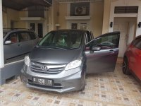Honda Freed 1.5 SD AT (Abu - abu) (f2.jpeg)