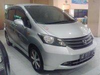 Honda Freed Tahun 2009 (kanan.jpg)