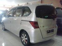 Honda Freed Tahun 2009 (belakang.jpg)