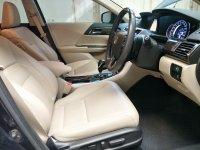 2013 Honda Accord 2.4 VTi-L Sedan (NEGO & SERIOUS ONLY!!!) (11 - All New Accord - Interior Depan 01_resize.jpg)