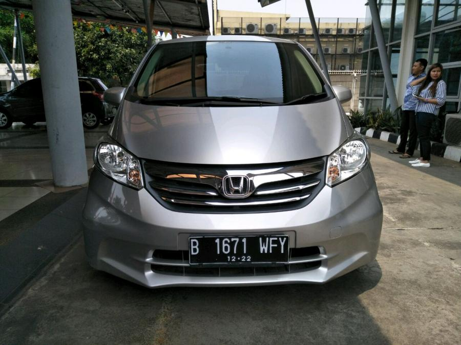 Honda Freed SD AT 1.5cc tahun 2012 Silver Met - MobilBekas.com