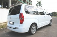 FLASH SALE MURAH HYUNDAI H-1 ROYALE BENSIN AT 2014 PUTIH GRESS