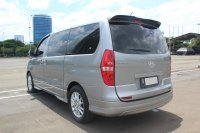 H-1: HYUNDAI H1 XG BENSIN AT 2016 GREY (IMG_4451.JPG)