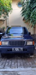 isuzu Panther Pick Up 2002 (29e1f394-38eb-452e-93ac-d840da182fca.jpg)