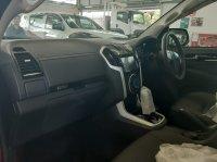 ISUZU MUX (i Series) (interior mux.jpeg)