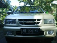 Panther: isuzu phanther matic 2001 (b.jpg)